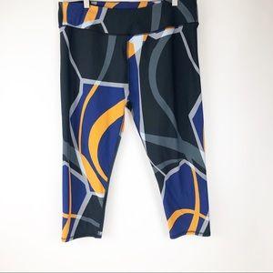 Fabletics Capri Leggings Geometric Print Size XXL